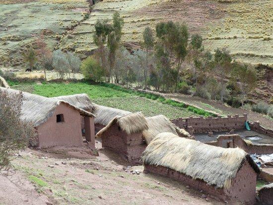 Alternative Inca Trails - Day Tours: Comunidad en la que durmimos