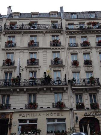 Hotel Quartier Latin: fachada  dos  vizinhos  do  hotel