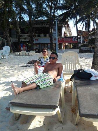 Boracay Peninsula Resort: Infront of boracay peninsula nice and clean...