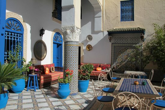 Riad Jean Claude: Breakfast area on the ground floor.