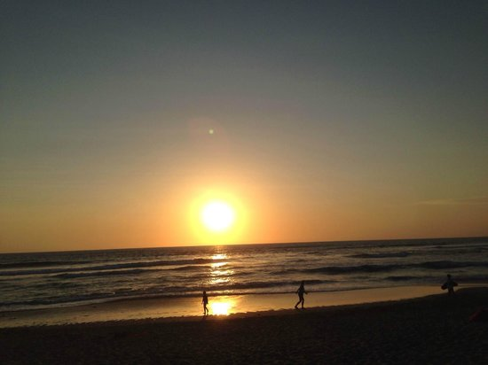 PING Hotel Seminyak Bali: sunset by the nearby beach