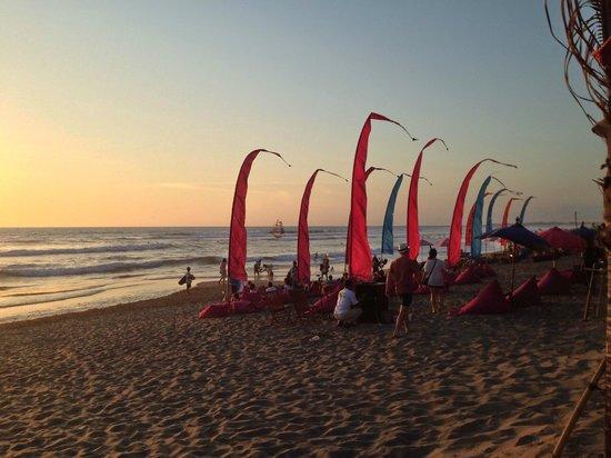 PING Hotel Seminyak Bali: beach just a walk away