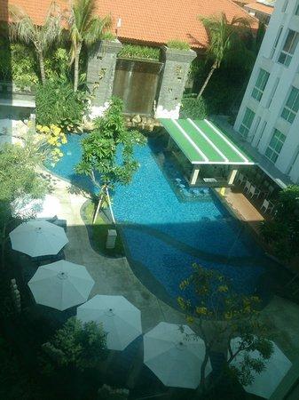 Bintang Kuta Hotel: View from elevator