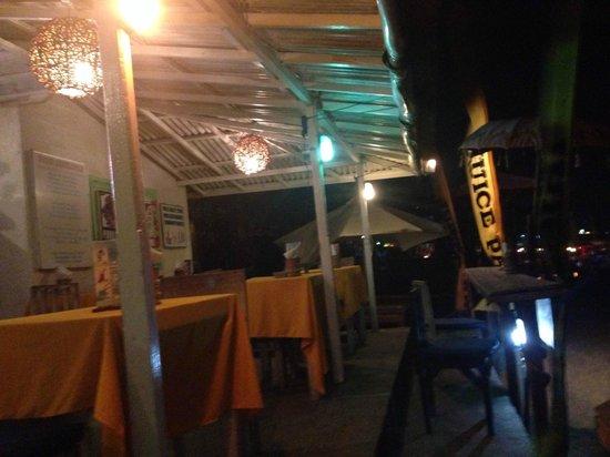 PING Hotel Seminyak Bali: cute restaurants by the beach