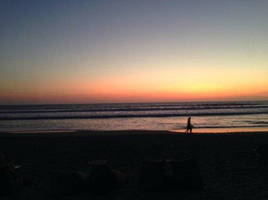 PING Hotel Seminyak Bali: sun downers