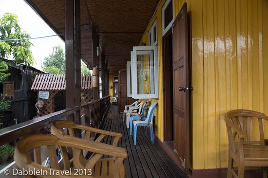 May Guesthouse Inle lake: The 300's side of the guesthouse