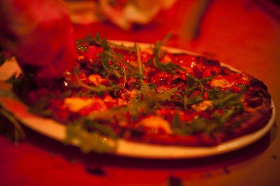Waterman Grille: Wood-Fred Margarita Pzza