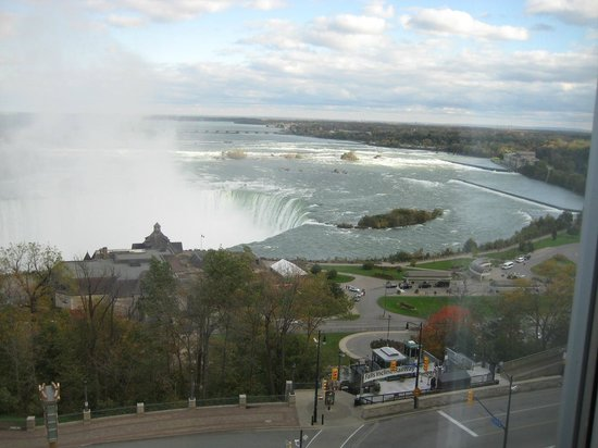 Oakes Hotel Overlooking the Falls: Niagara Falls Room View