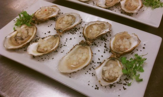 Waterman Grille: Beau Soleil oysters with asian pear and chili mongonette