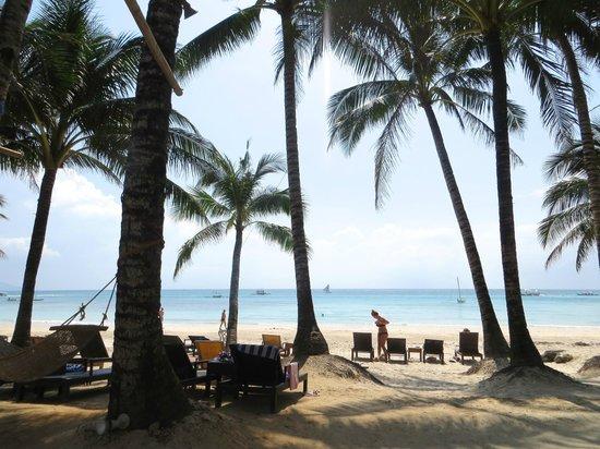 Microtel Inn & Suites by Wyndham Boracay: пляж