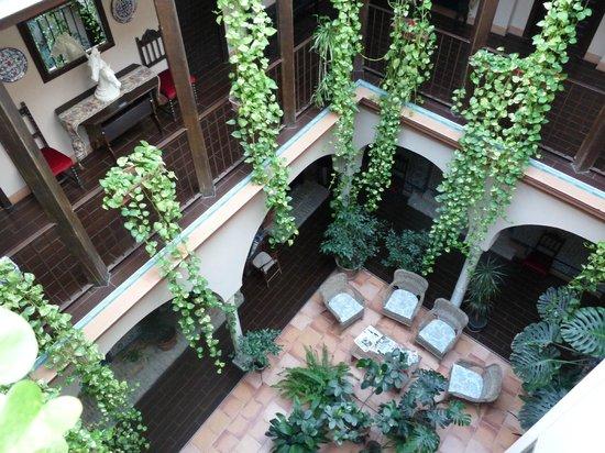 Hotel Patio de las Cruces: le patio intérieur