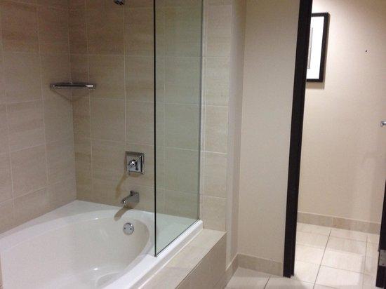 Colcord Hotel : Awesome bathroom !