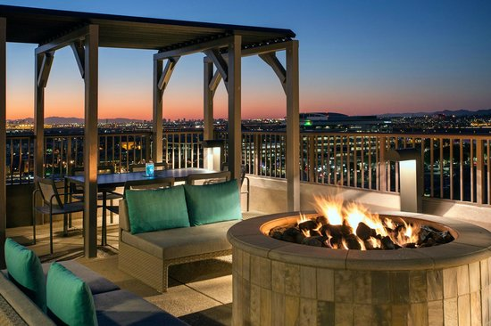 Residence Inn Tempe Downtown/University : Rooftop Fire Pit
