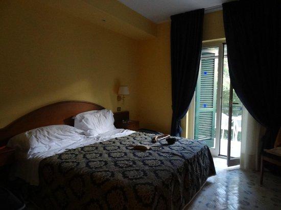 Best Western Hotel La Solara: Notre chambre donnant sur un balcon