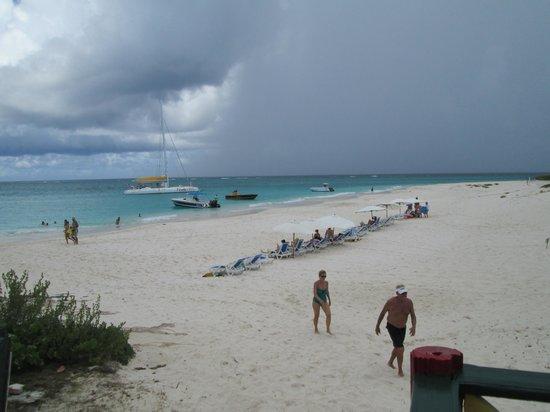 bahía de Simpson, St. Maarten: Prickley Pear beach