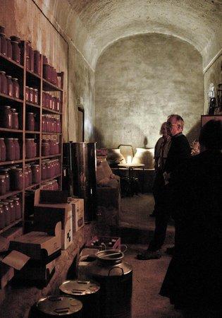 Masseria Astapiana Villa Giusso: wine cellar