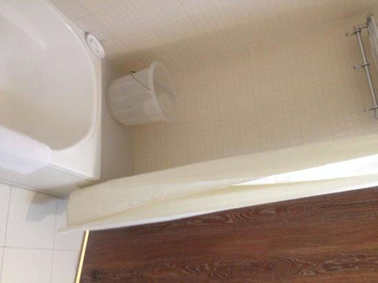 Hotel Gianz: Wash Room