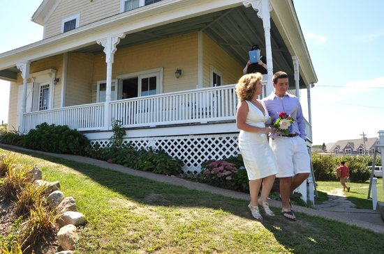 Avonlea, Jewel of the Sea: Walking out to ceremony