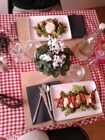 La Table d'Emilie: Table