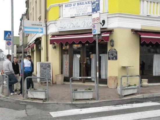 Restaurant Pizzeria la Dolce Vita: la dolce vita ristorante mestre con bed&breakfast