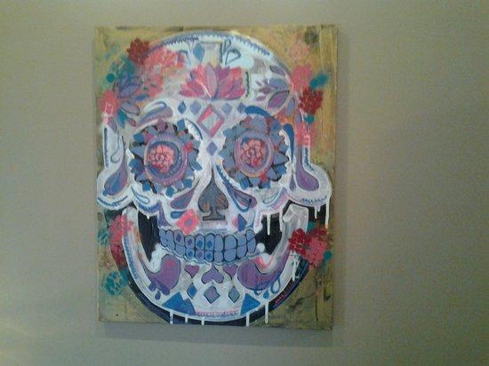 Chez Elle: Artwork