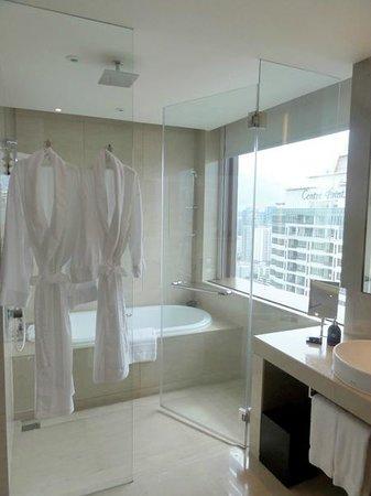 The Okura Prestige Bangkok: Badezimmer