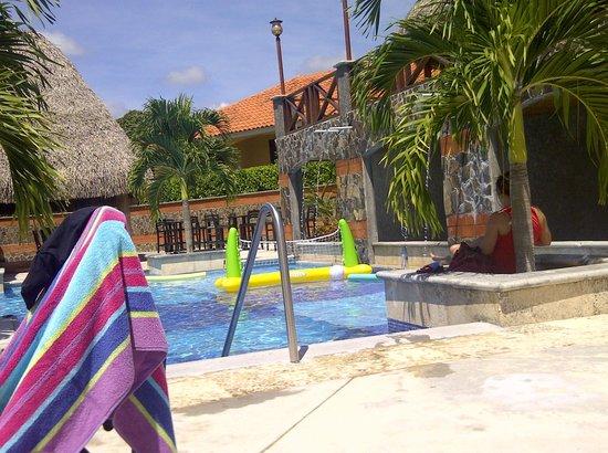 Hato Viejo Boutique Hotel: Area de la piscina