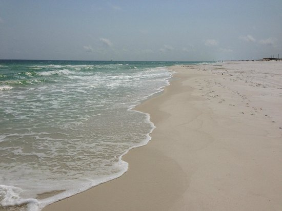 Okaloosa Island: Looking down the beach, to the west