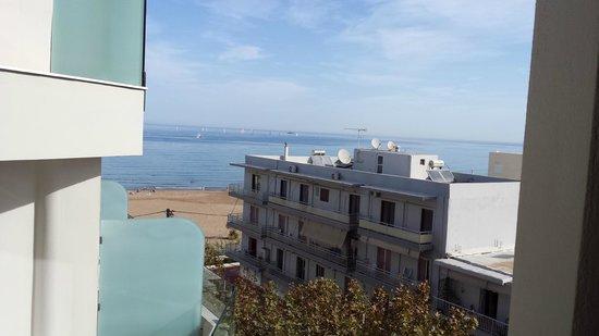 Kriti Beach Hotel: Blick aus dem Fenster aufs Meer