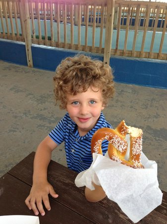Gulfarium Marine Adventure Park: SNACKS!!!