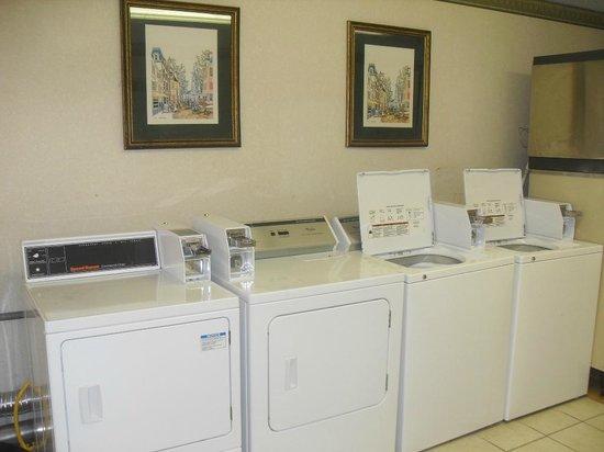 Days Inn Maumee/Toledo: Guest Laundry Facilities