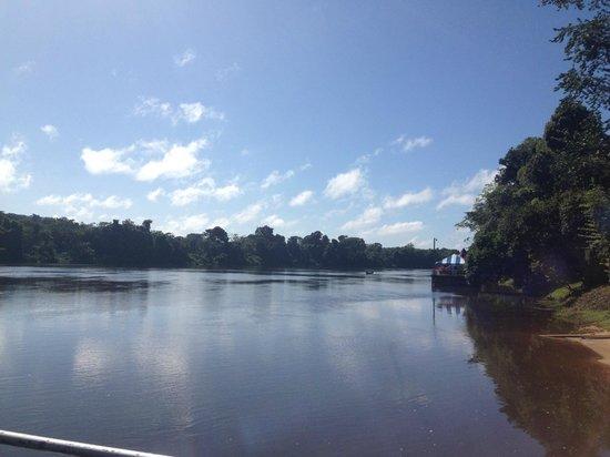 Bergendal Eco & Cultural River Resort: uitzicht vanuit de bar