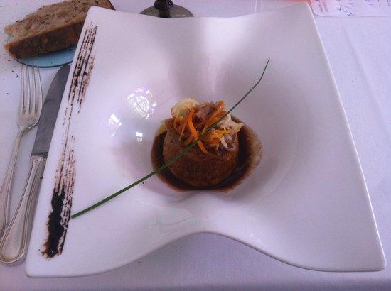 Hotel Restaurant Castet : gâteau de foies blonds au vin rouge