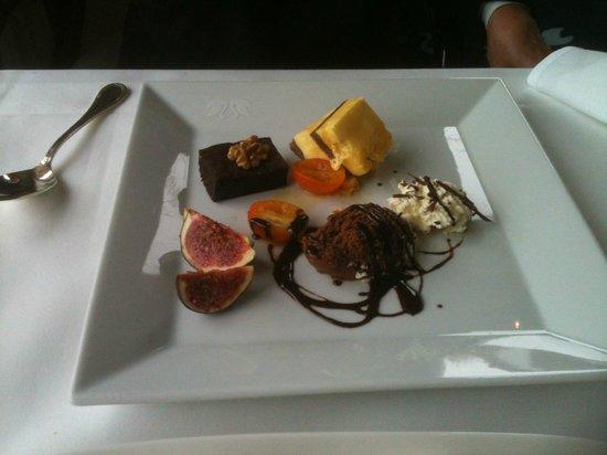 Le Jardin: Le dessert, une sélection du buffet