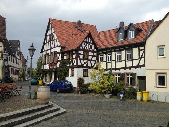 BEST WESTERN PREMIER Hotel Villa Stokkum: Steinheim square