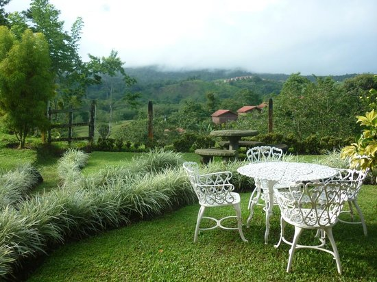 Arenal Palace: breakfast area
