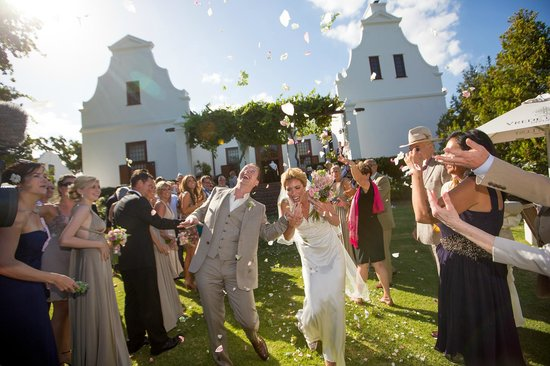 Vrede en Lust Estate: The Manor House into the grounds