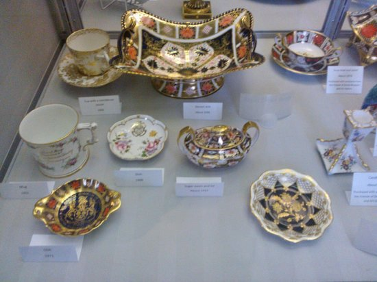 Derby Museum and Art Gallery: Derby china