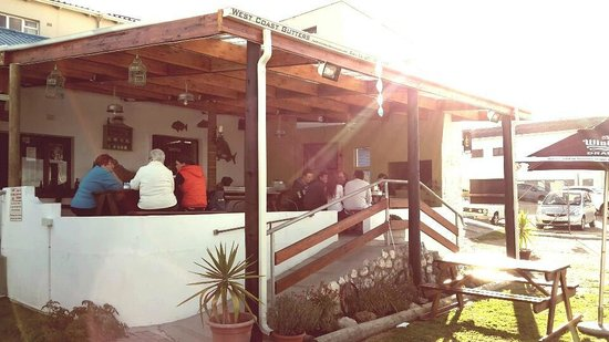 The Sandstone Cafe & Lounge