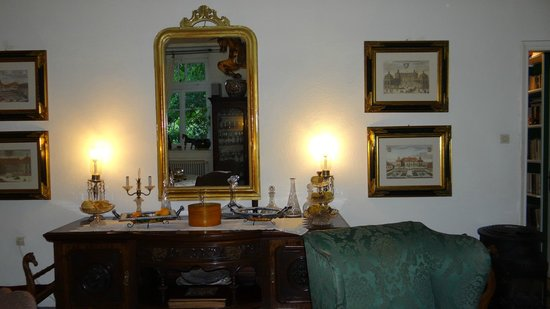 The Lost Unicorn Hotel: The ground floor interior