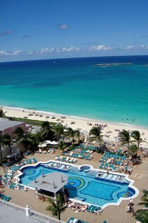 Hotel Riu Palace Paradise Island : view from our balcony