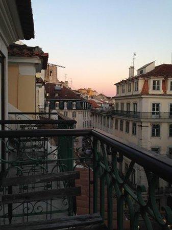 Vincci Baixa: Street view from my room. Desde mi habitación.
