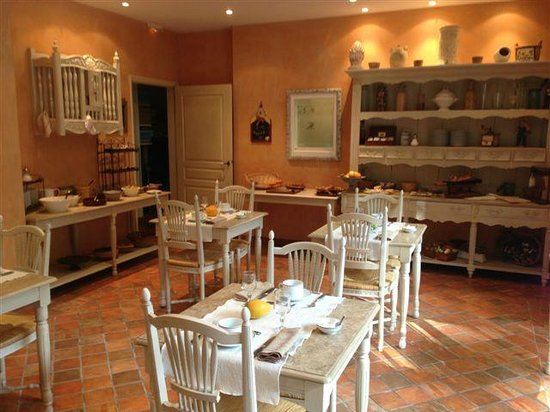 Hotel du Poete: Breakfast room