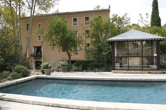 Hotel du Poete: Pool and jacuzzi