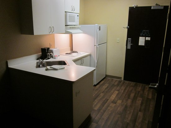 Extended Stay America - San Diego - Mission Valley - Stadium : Kitchenette