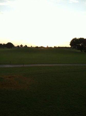Flamingo Island Course - Lely Resort : sunrise on #1