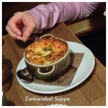 Kleiner Olymp: Zweiwiebel Suppe (onion soup) same recipe for 50 years!
