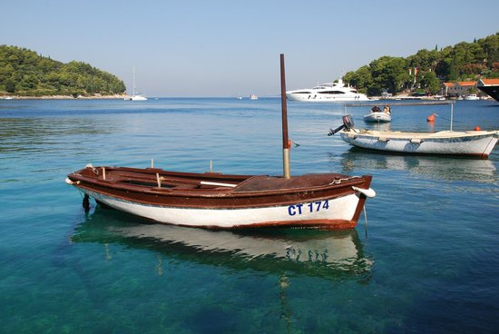Villa Andro apartments: Nice old boat in the Cavtat Harbour