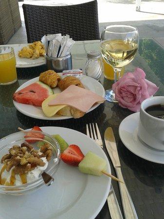 Fito Aqua Bleu Resort: Moederdag ontbijt