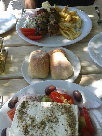 Fito Aqua Bleu Resort: Heerlijke lunch!